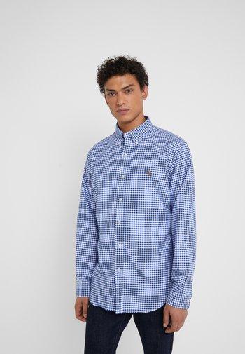 CUSTUM FIT OXFORD - Shirt - blue/white gingham