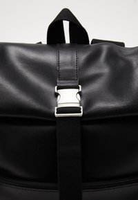 Pier One - UNISEX LEATHER - Rucksack - black - 2