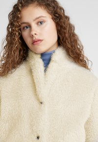 CLOSED - ALFIE - Winter coat - linen - 3