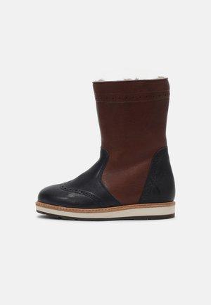 NOVA - Snowboots  - brown