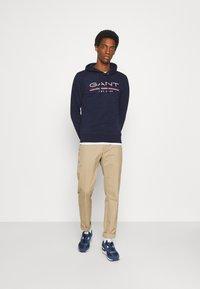 GANT - HOODIE - Sweatshirt - classic blue - 1