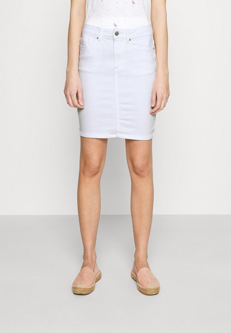 Pieces - PCLILI SKIRT  - Denim skirt - bright white