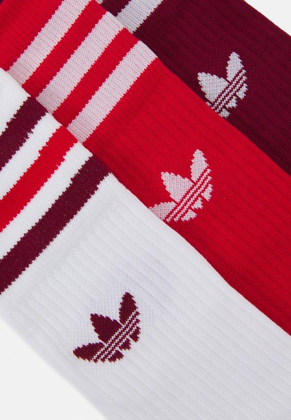 adidas Originals CREW SOCKS 3 PAIRS - Skarpety - white/collegiate burgundy/scarlet/czerwony Odzież Męska SWRD
