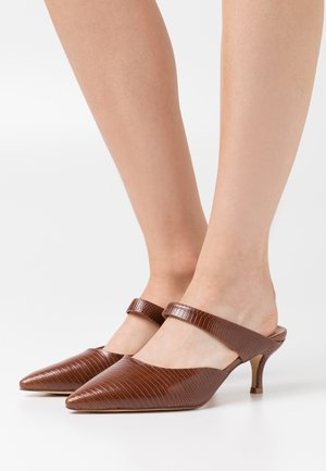 STRAP DETAIL POINTY - Heeled mules - brown