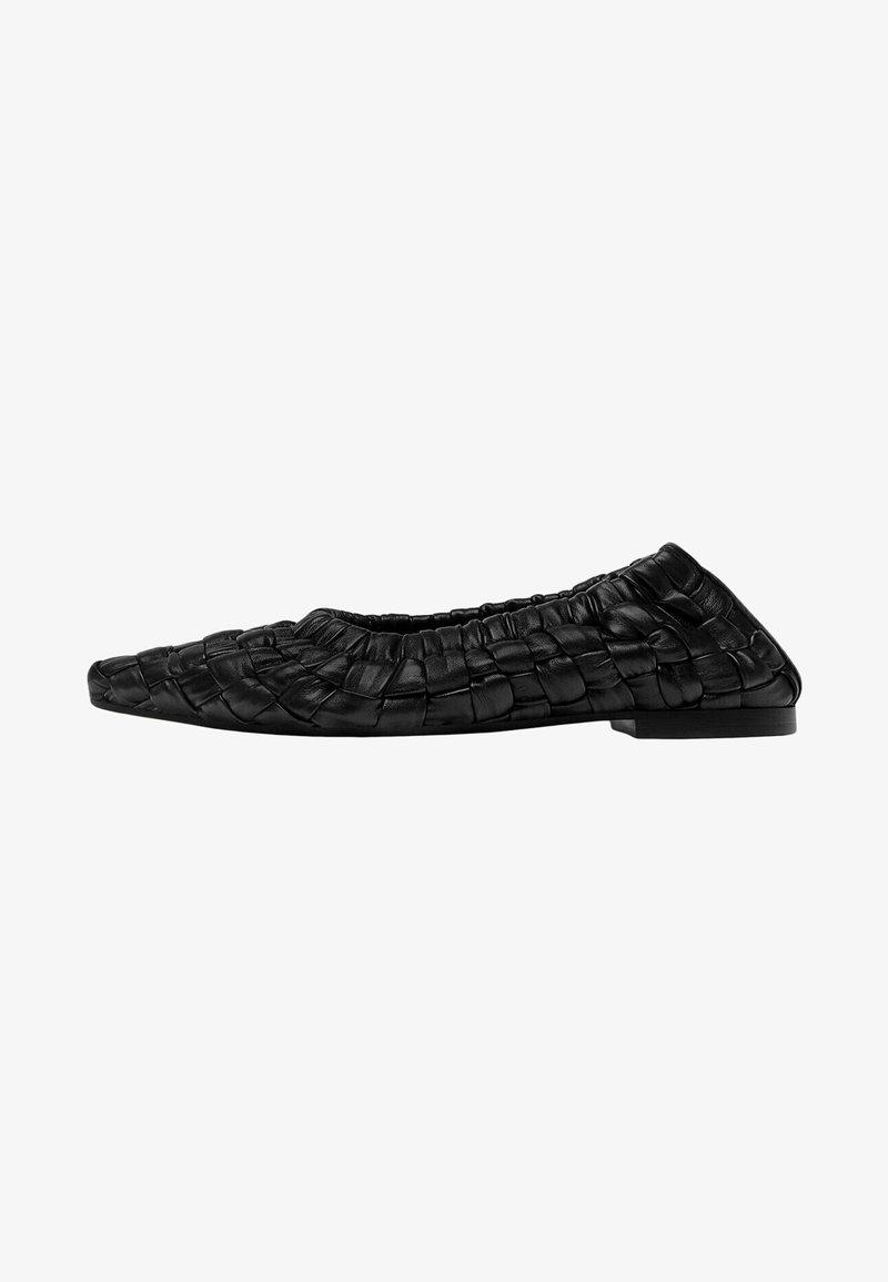 Uterqüe - Ballet pumps - black