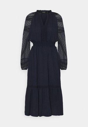 SWINTON SWISS DRESS - Denní šaty - lighthouse navy