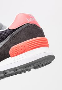 New Balance - WL574 - Sneakers - black/pink - 2