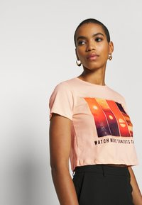 Trendyol - Print T-shirt - beige - 3