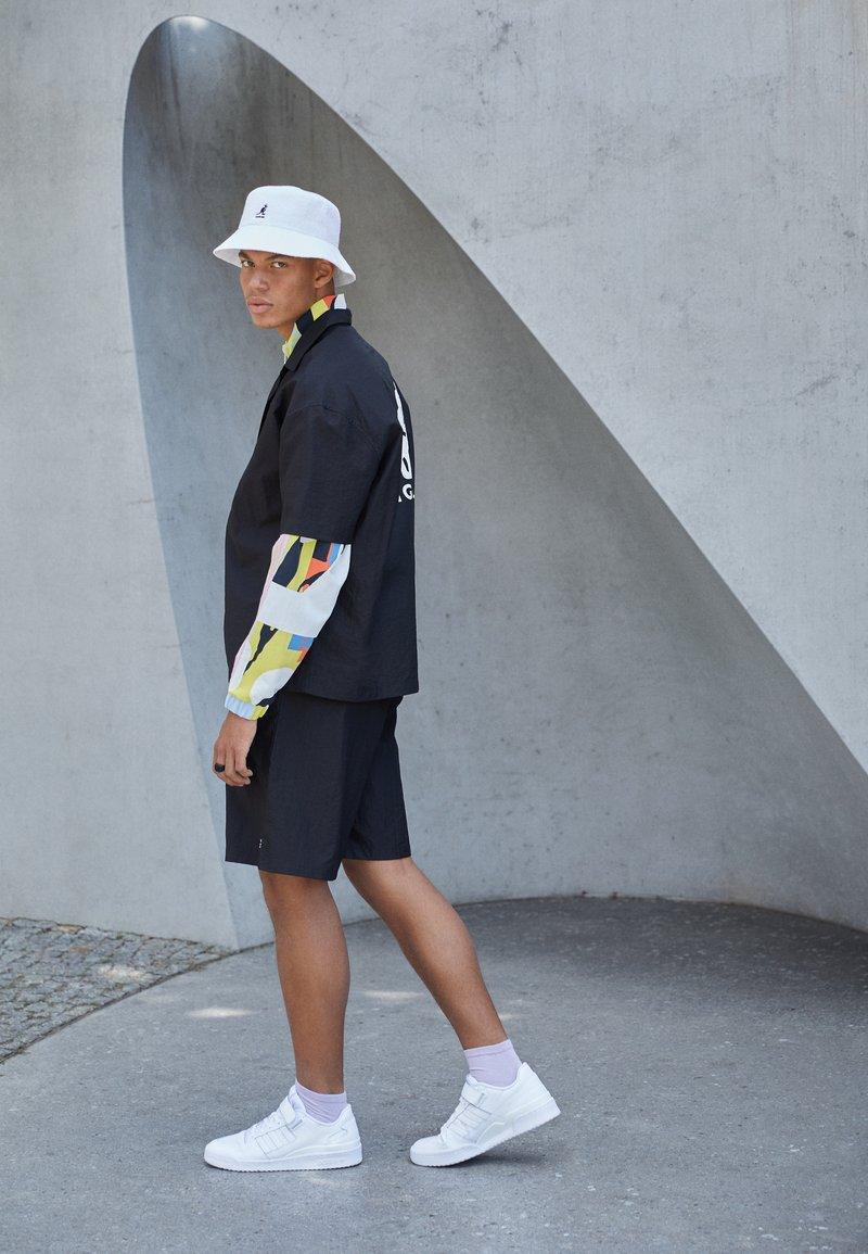 adidas Originals - FORUM LOW UNISEX - Sneakers - white