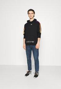 adidas Originals - UNISEX - Sweatshirts - black/multicolor - 1