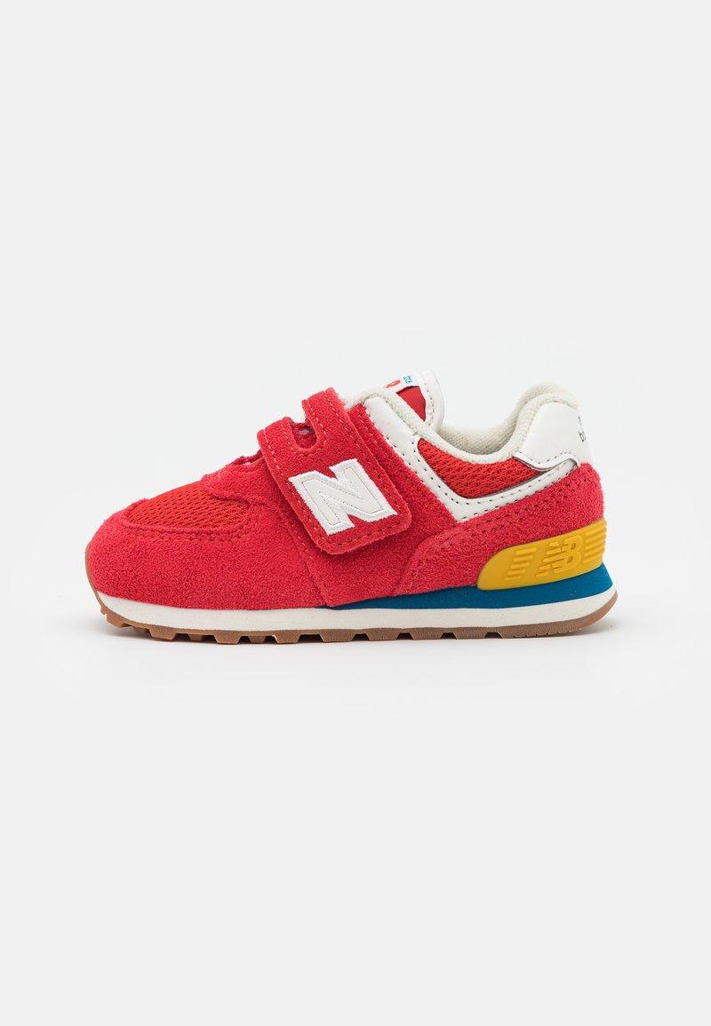 New Balance - IV574HA2 - Trainers - red