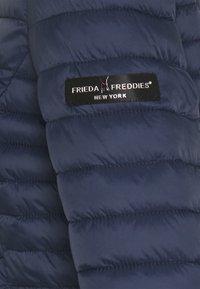 Frieda & Freddies - Lehká bunda - navy - 3