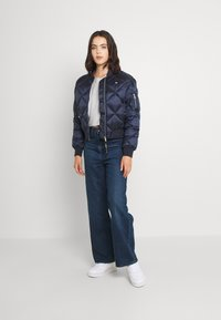 Tommy Jeans - TJW DIAMOND QUILTED BOMBER - Bomber Jacket - twilight navy - 1