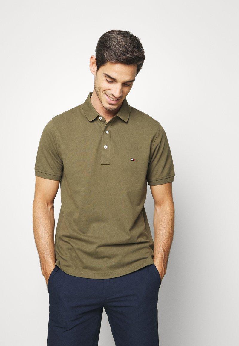 Tommy Hilfiger - Poloshirts - khaki
