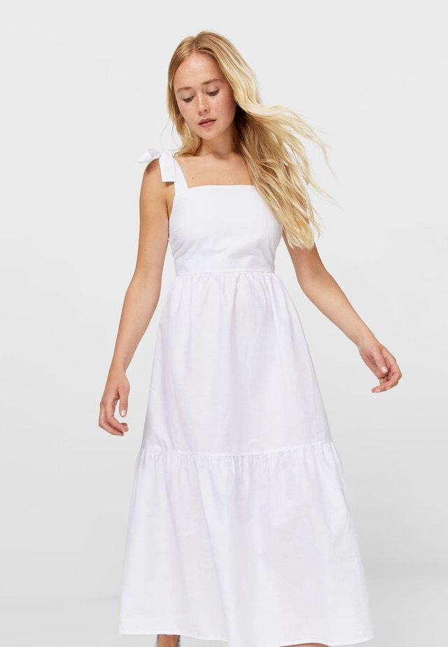 Vardagsklänning - white