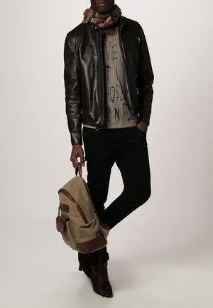 CLASSIC CAFE RACER - Leather jacket - brown