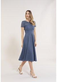 Swing - Day dress - vintage blue - 1