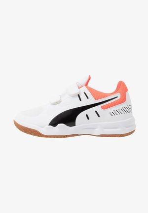 AURIZ - Sports shoes - white/black/enrgy/red