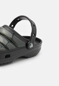 Crocs - CLASSIC NEO PUFF UNISEX - Tresko - black - 5
