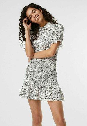 GESMOKT - Shirt dress - snow white