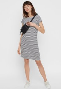 Pieces - PCBILLO SS DRESS NOOS - Jersey dress - light grey - 1