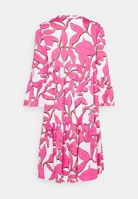 Emily van den Bergh - BOHO - Shirt dress - white/pink - 1