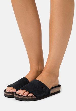 PLAGETTE  - Slippers - noir