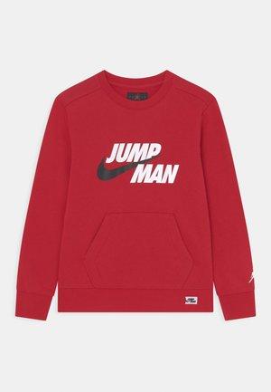JUMPMAN CREW - Collegepaita - gym red