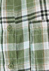 Cotton On - BOYFRIEND - Button-down blouse - jennifer forest green - 2