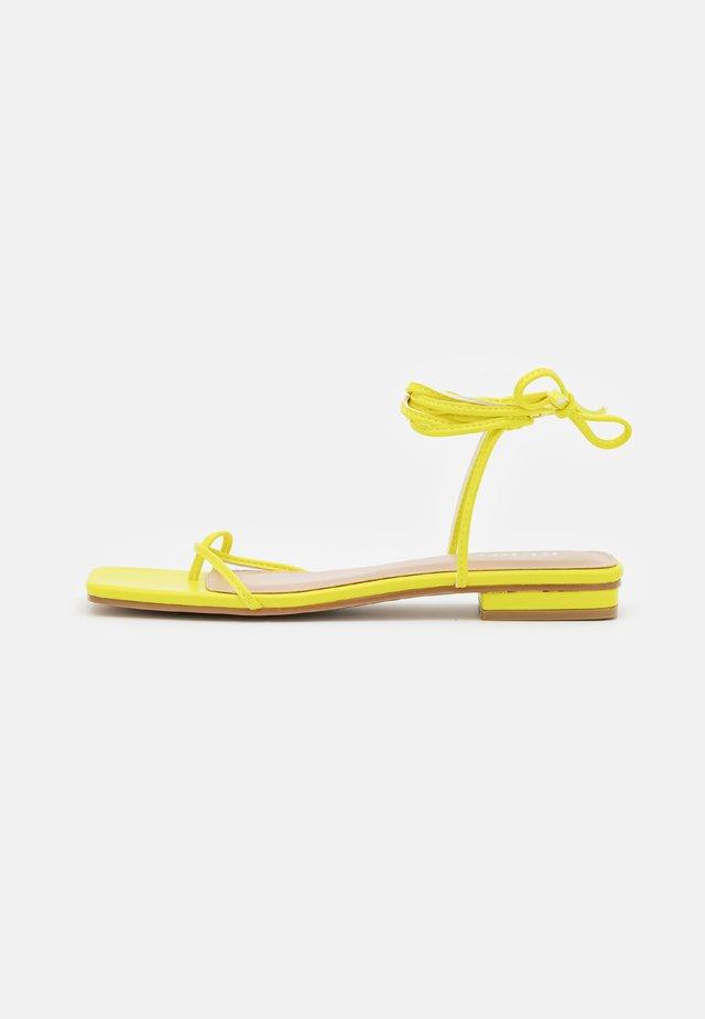 DOLLI - Infradito - yellow