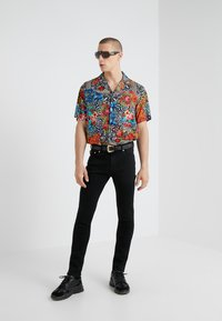 Versace Jeans Couture - CAMICIE UOMO - Koszula - nero - 1