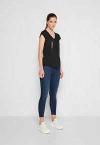 Elisabetta Franchi - Basic T-shirt - nero - 1