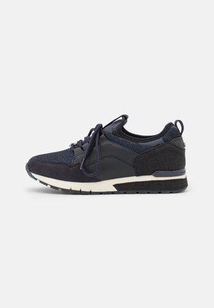 Sneakers laag - navy