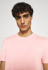 Pier One - Jednoduché triko - pink - 3