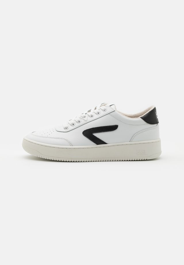BASELINE - Matalavartiset tennarit - white/black/offwhite