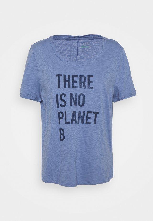 Print T-shirt - larkspur