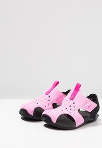 Nike Performance - SUNRAY PROTECT 2 UNISEX - Zapatillas acuáticas - psychic pink/laser fuchsia/black - 3