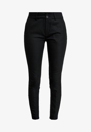 BLAKE NIGHT PANT SUSTAINABLE - Pantalones chinos - black