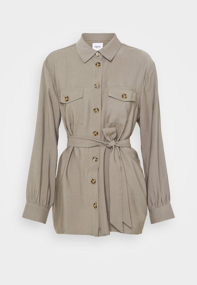 FERGIE - Button-down blouse - musk