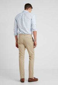 Polo Ralph Lauren - FLAT PANT - Pantalon classique - classic khaki - 2