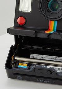 Polaroid - ONESTEP + - Camera - black - 6