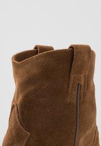 Lazamani - Cowboy/biker ankle boot - cognac - 2