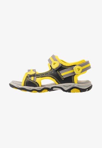 KIWI - Walking sandals - noir/jaune