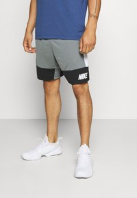 Nike Performance - DRY SHORT 5.0 - Pantaloncini sportivi - smoke grey/black/white - 0