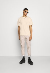 The Couture Club - OVERSIZED - Print T-shirt - ecru - 1