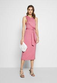Lost Ink - CROSS FRONT TIE WAIST DRESS - Jerseykjole - pink - 1
