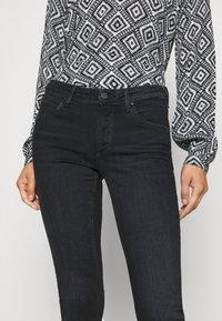 Marc O'Polo DENIM - ALVA - Jeans Skinny Fit - black wash - 4