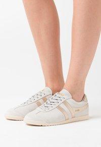 Gola - BULLET SAVANNA - Sneakersy niskie - offwhite - 0