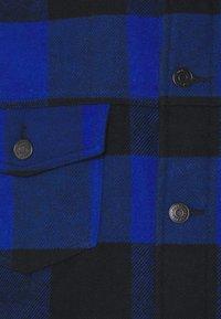 Tommy Jeans - PLAID TRUCKER JACKET UNISEX - Välikausitakki - providence blue - 2