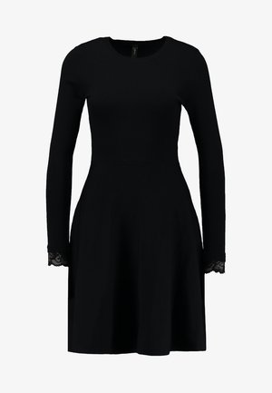 YASBECCO DRESS - Strikket kjole - black